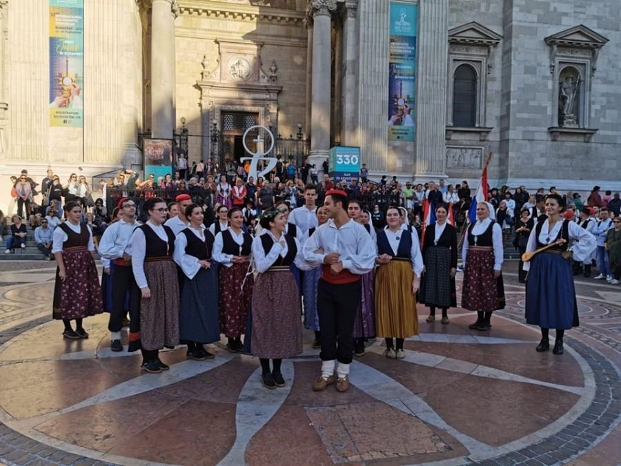 (FOTO) Adria Duisburg oduševila u Bratislavi i Budimpešti: Pokazali su bogatu kulturnu baštinu Hrvatske
