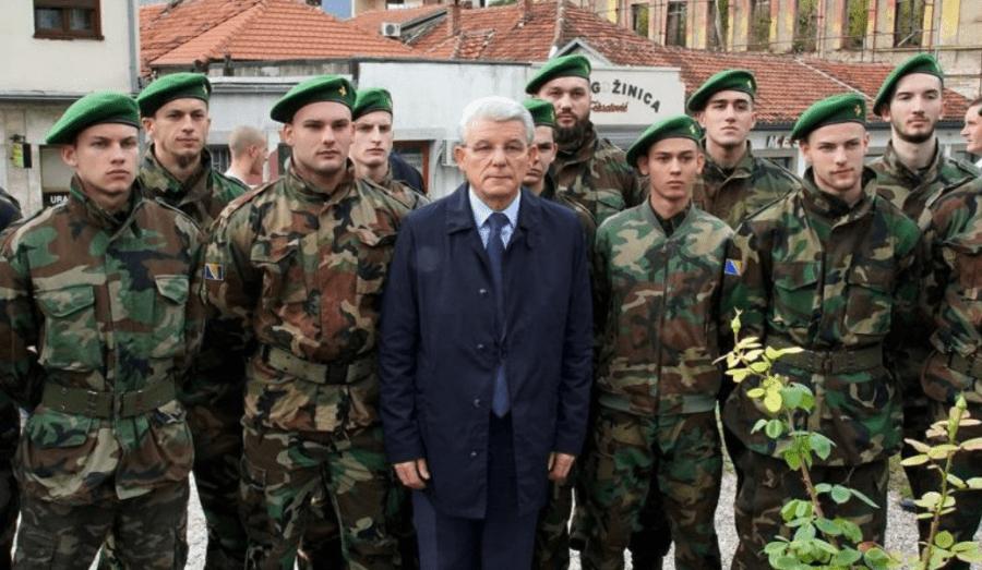 ŠEFIK DŽAFEROVIĆ U MOSTARU: Postrojio muslimansku paravojnu formaciju?