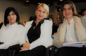 Marina Perić Kaselj (u sredini)