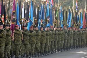 U sklopu svečanog obilježavanja 27. obljetnice VRO Maslenica 1993. održan je mimohod preko gradskog mosta prema Poluotoku do Crkve sv. Donata vojnih postrojba, sudionica VRO Maslenica, sa 187 ratnih zastava