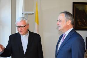 Njemački biskup Heiner Koch i veleposlanik Bakota  /