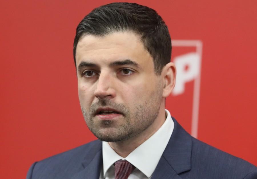 """SKANDALOZNO ZA BERNARDIĆA: Napao Plenkovićevu Vladu zbog odluke suda o korištenju pozdrava """"Za dom spremni"""""""