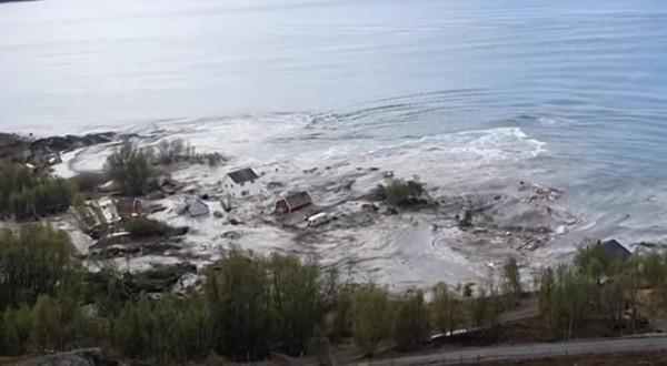 VIDEO) Zastrašujuća moć prirode: More progutalo kuće u ...