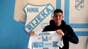 Niko Galešić sa dresom Rijeke / Foto: HNK Rijeka