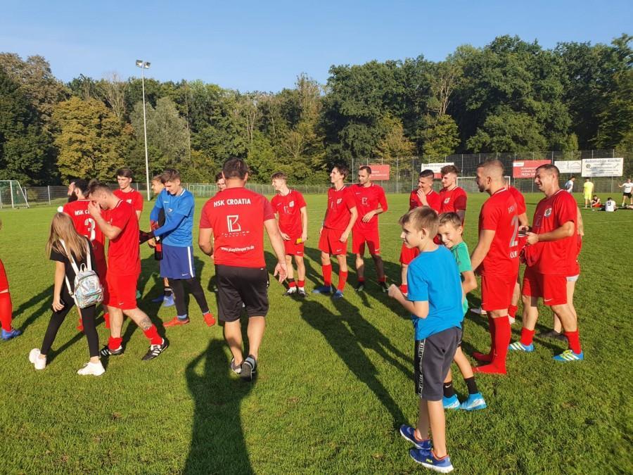 Radost nakon utakmice i pobjede Croatije Singen / Foto: Fenix