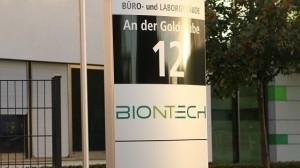 Natpis ispred ulaza u tvrtku Biontech u  Mainz / Foto: Fenix (M. Dokoza)