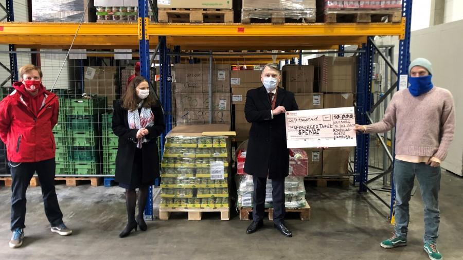 Predaja donacije u Hamburgu / Foto: Fenix