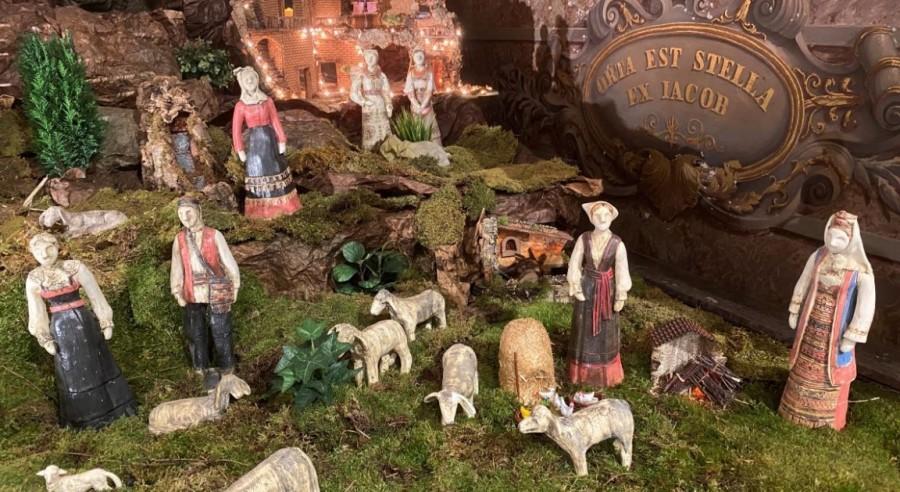 Jaslice s motivima hrvatske narodne nošnje u Hrvatskoj crkvi sv. Jeronima u Rimu / Foto: IKA