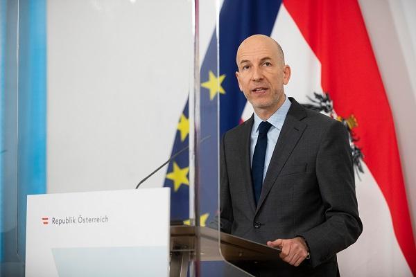 Ministar rada M. Kocher