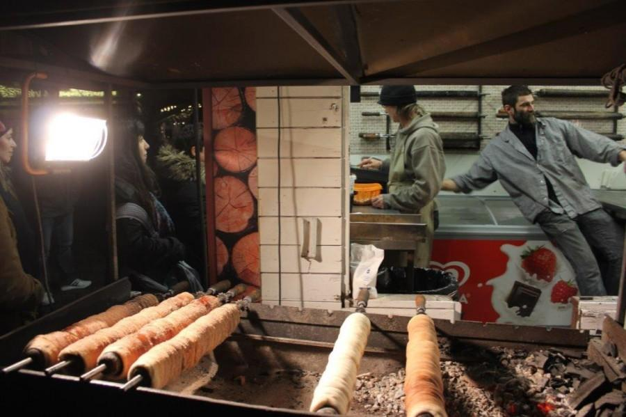 Arhivska fotografija pravljenja slatkiša u Pragu / Foto: Fenix (S.P.)