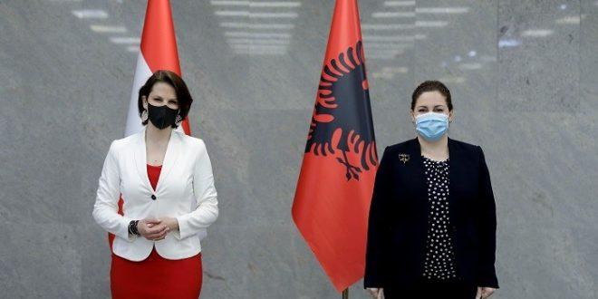 Ministrica Edtstadler Albanija jpg