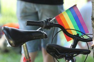 Zagreb Pride zastava dugine boje